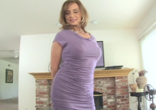 A horny MILF strips down and gives a memorable blowjob