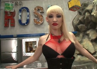 Blonde pornstars has large tits