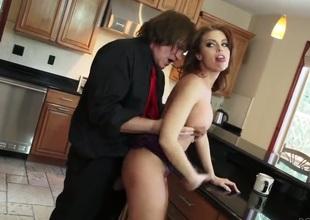 Evan Stone gets pleasure from fucking smokin' hot Britney Ambers throat
