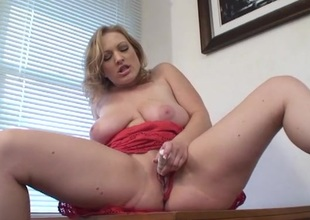 Big natural milf titties on a lady that loves her toy