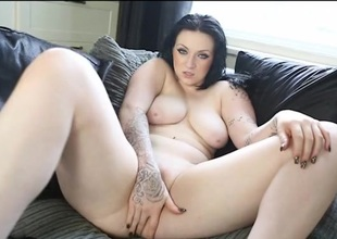 Curvaceous English hottie fucks a liquor bottle